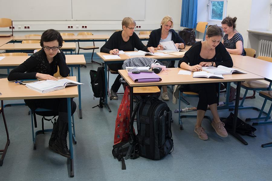 Alle fleißig am arbeiten und finnisch lernen. ;)