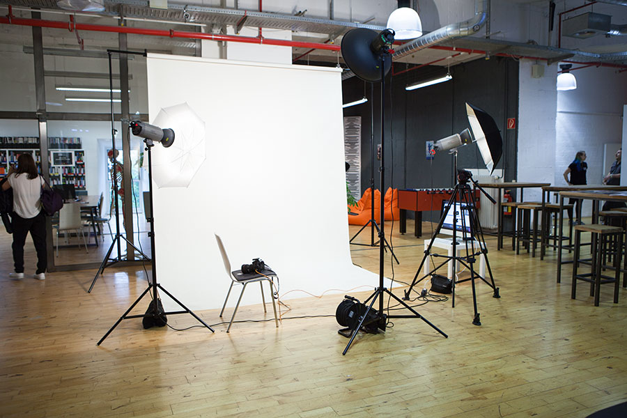 Unser aufgebautes Studio - Tür