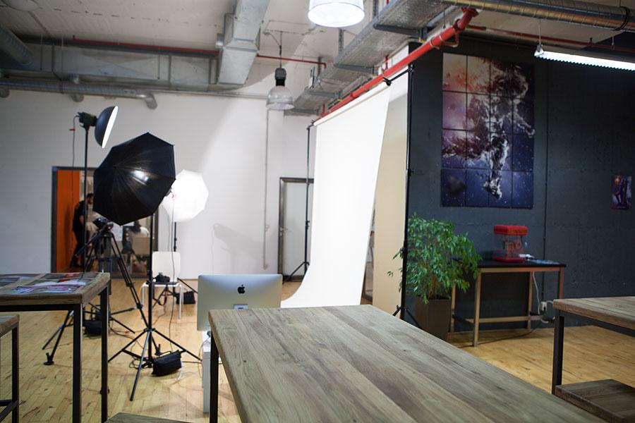 Das Studio von der Seite - Tür