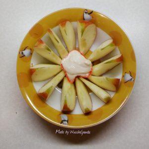 Peanutbutter-Quark-Dip mit Apfelspalten
