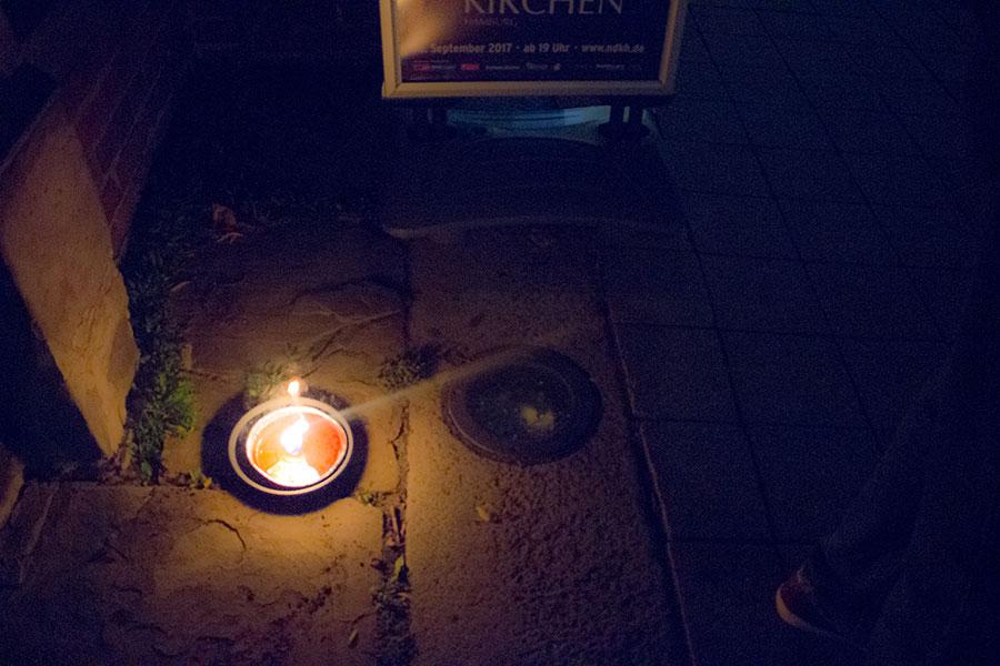 Kerze vor der St. Jacobi Kirche