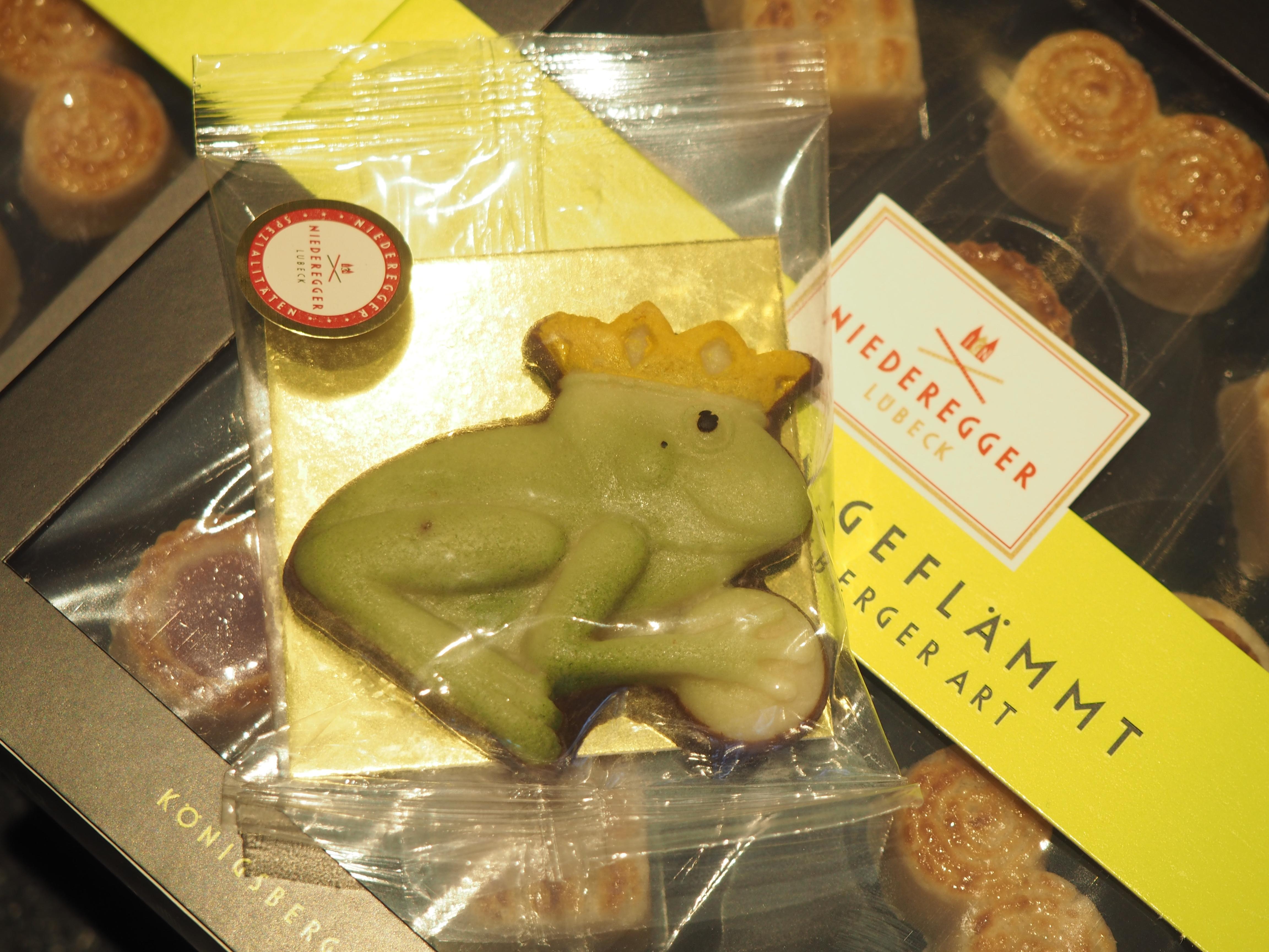 Natürlich hatte es auch einen Froschkönig aus Marzipan gegeben, es hat noch mehr gegeben.